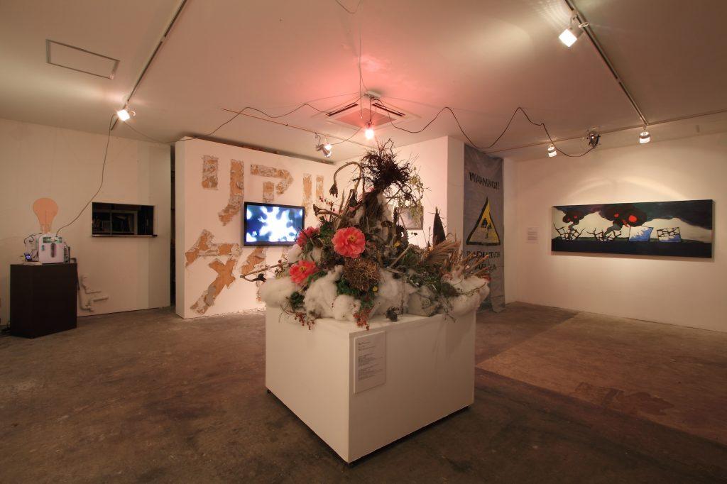 展示風景:「REAL TIMES」無人島プロダクション、2011 photo: Kei Miyajima
