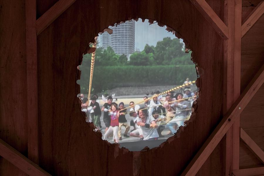 """""""Fukagawa, Future, Humanity"""" Installation view Venue: MUJIN-TO Production, Tokyo / Photo: Kei MIYAJIMA"""