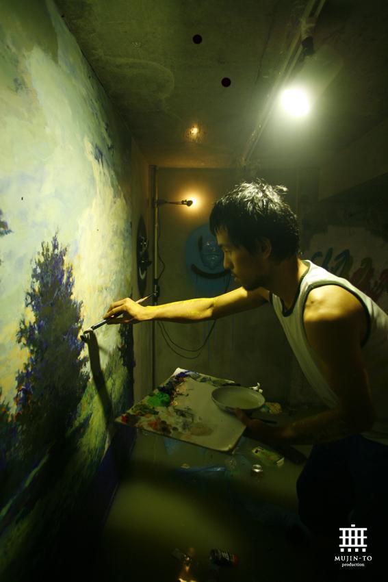 日本のアートは10年おくれている 世界のアートは7、8年おくれている