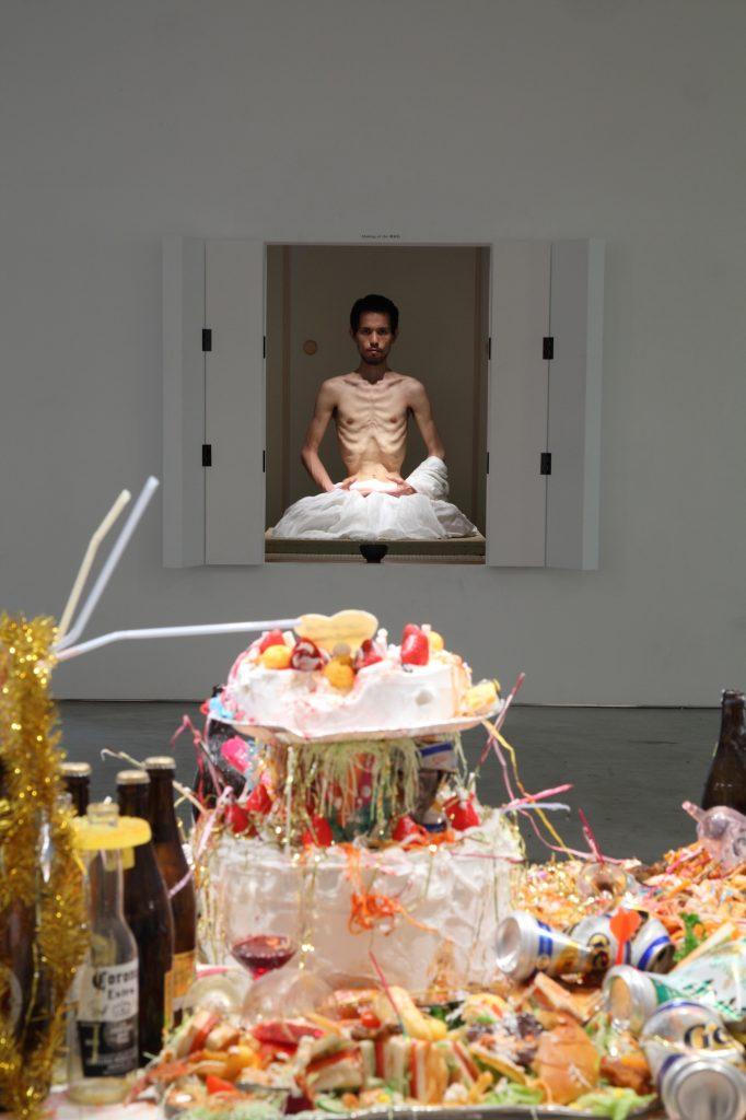 展示風景:「にんげんていいな」山本現代、2009 photo: Keizo Kioku