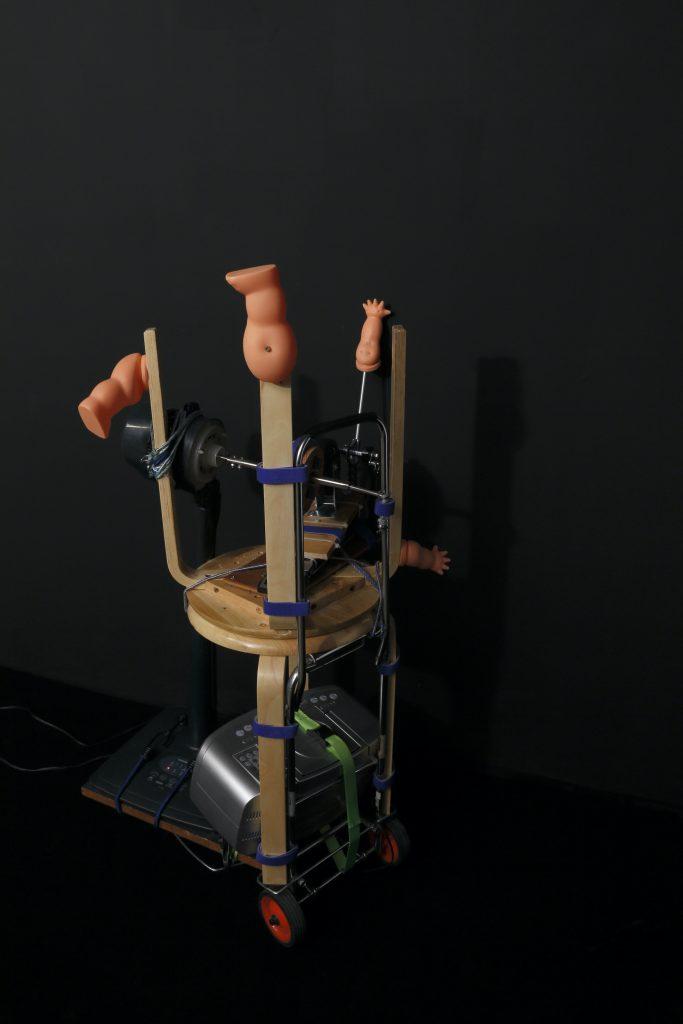 無人壁ドン装置『むじどんくん』一号機【恫喝】